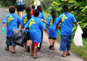 Pohnpei swimmers from Kitti eager to pick up the most rubbish.
