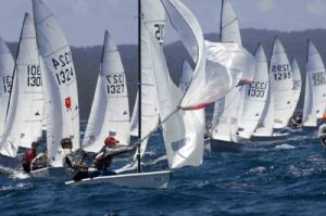 Fleet at top mark